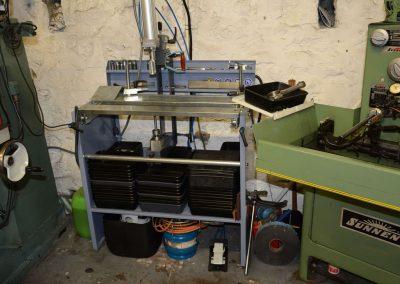 Machine voor demontage en montage van cilinderkoppen