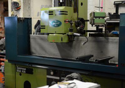 Vlak machine voor cilinderkoppen
