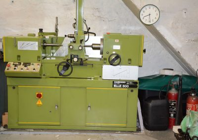 Rebore con-rods + machine with stone or tools
