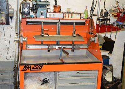 Valve seat grinding + insert fitting